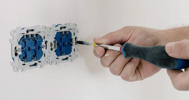 Leder du efter en elektriker i Valby?